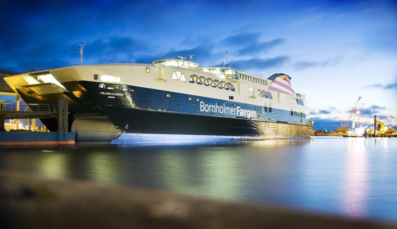 Færgen sejler til henholdsvis Bornholm, Samsø, Fanø, Als, Langeland og Lolland via i alt syv forskellige ruter. Via bookingportalen Dansk Ø-ferie promoverer Færgen derudover en lang række af de mindre danske øer. Topscoreren blandt dem alle er ubetinget Bornholm, som via Færgens PR- arbejde i 2017 har opnået medieomtale for 5,4 millioner kroner. Sejladsen på ruten til Bornholm overtages i september af Molslinjen. (PR-foto: Rederiet Færgen) (PR-foto: Rederiet Færgen)