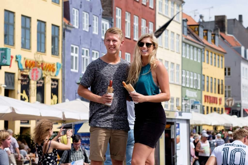 Turisme i Danmark: Udenlandske turister er guld værd for dansk økonomi. Ifølge VisitDenmark bruger en turist i København cirka 1420 kroner i døgnet på overnatning, mad og oplevelser. (Foto: CC/ Kristoffer Trolle/ https://www.flickr.com/photos/kristoffer-trolle/ )
