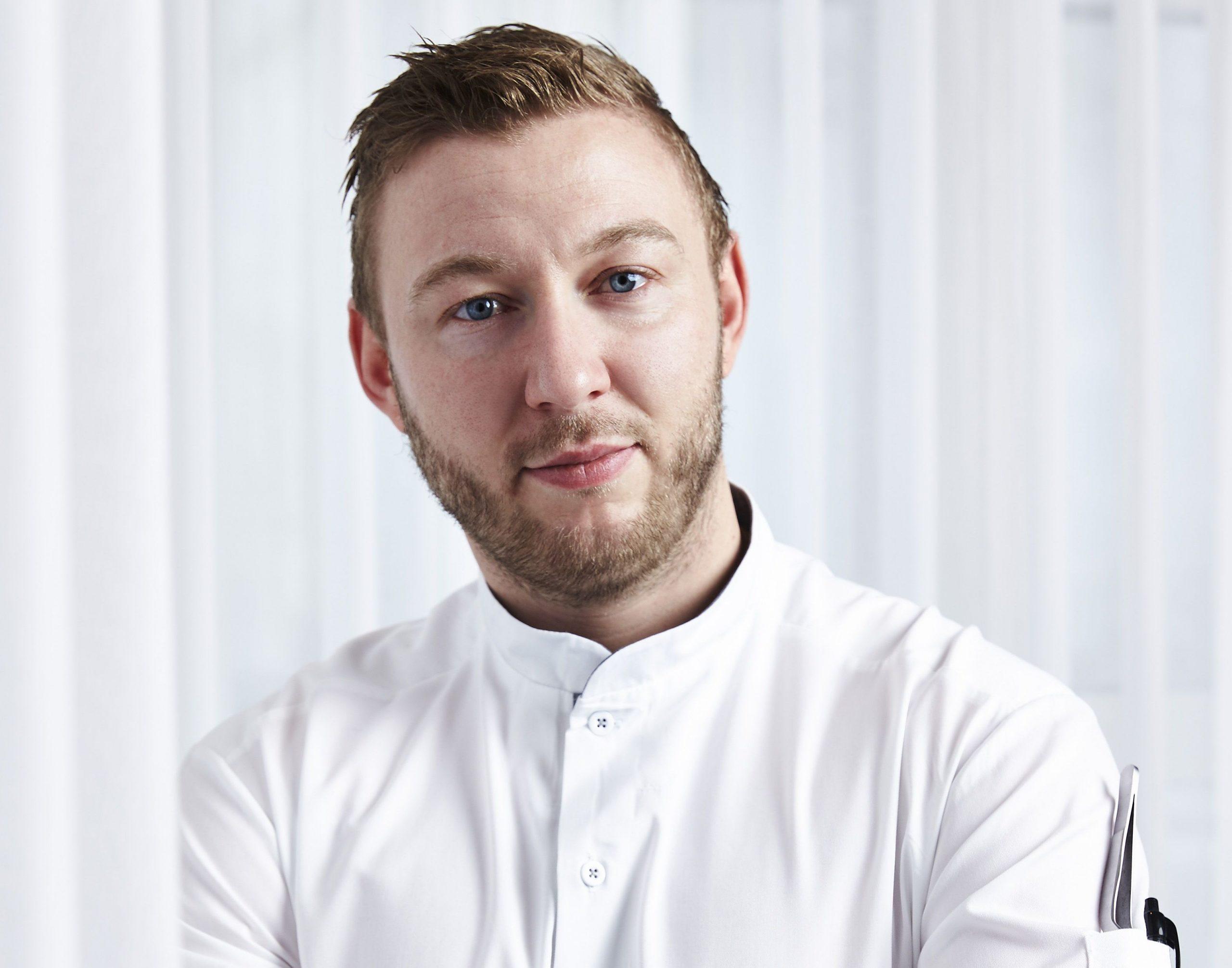Køkkenchef Erik Kroun står i spidsen for The Restaurant by Kroun på Kurhotel Skodsborg. Her anbefaler han tre af de mest spændende restauranter netop nu. (Foto: Kurhotel Skodsborg/Claes Bech-Poulsen)