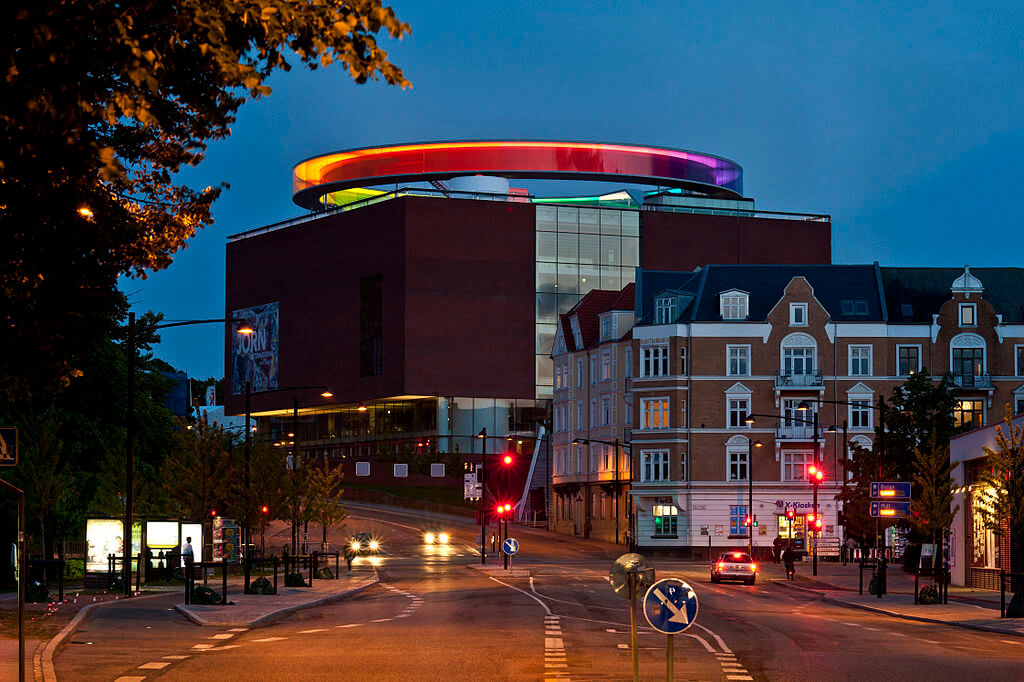 Kunstmuseet ARoS i Aarhus kunne nyde godt af, at Aarhus sidste år var europæisk kulturhovedstad. Museet havde en fremgang på 7,2 %. (Foto: VisitAarhus)