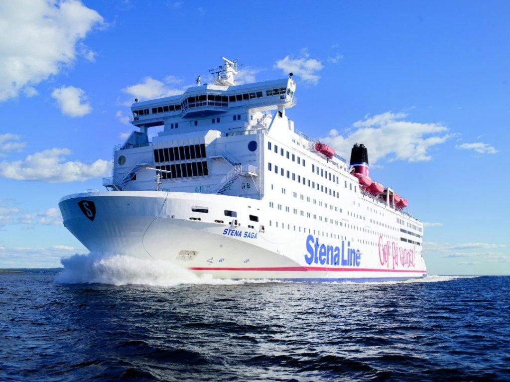 Rederiet Stena Line og VisitDenmark har givet hinanden håndslag på en flerårig aftale, der sikrer et markedsføringstryk for at lokke flere svenskere med færgen til Jylland. (Pr-foto: Stena Line)