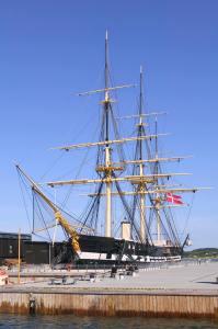 Hvor tager gæsterne hen, når de har besøgt Fregatten Jylland? Det kan big data hjælpe med at svare på. (Foto: VisitDjursland)