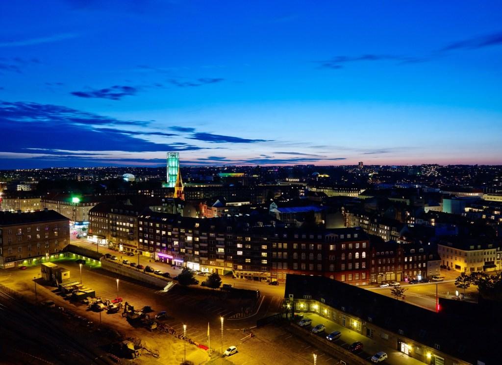 AarhusByNight  1024x745  VisitAarhus, Peer Heldgaard Kristensen, Jakob Bundsgaard, Airbnb VisitAarhus i overraskende partnerskab storbyturisme VisitAarhus i overraskende partnerskab