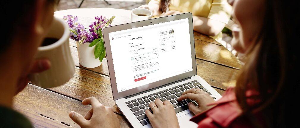 I dag lancerer Airbnb 'Pay Less Up Front', som er en ny funktion, der giver gæster mulighed for at betale udgifterne til deres booking i to rater. (PR-foto: Airbnb)