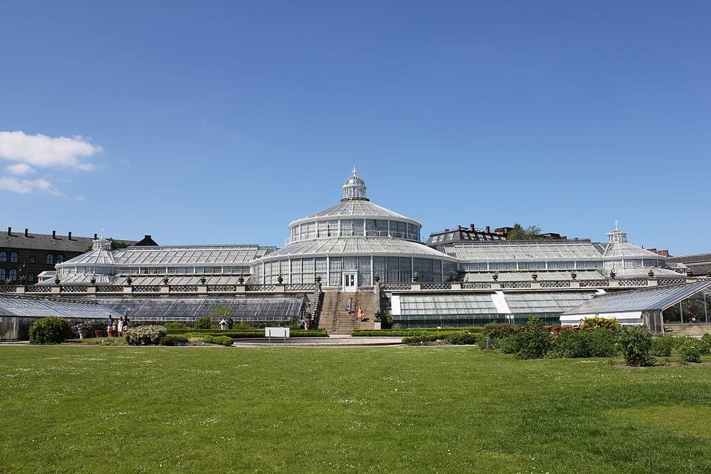 Botanisk Have i København stormer ind på top-10 listen over mest besøgte attraktioner i Danmark. 2017 er første år, hvor man har haft pålidelige tællere af gæsterne.