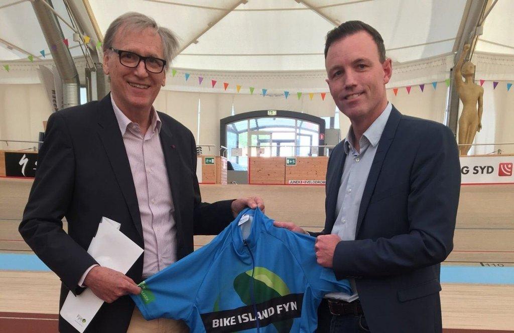 Walter Rottiers, præsident for World Press Cycling Championship (tv) i selskab med Thomas Kastrup, forretningschef i Destination Fyn. (Foto: Destination Fyn)