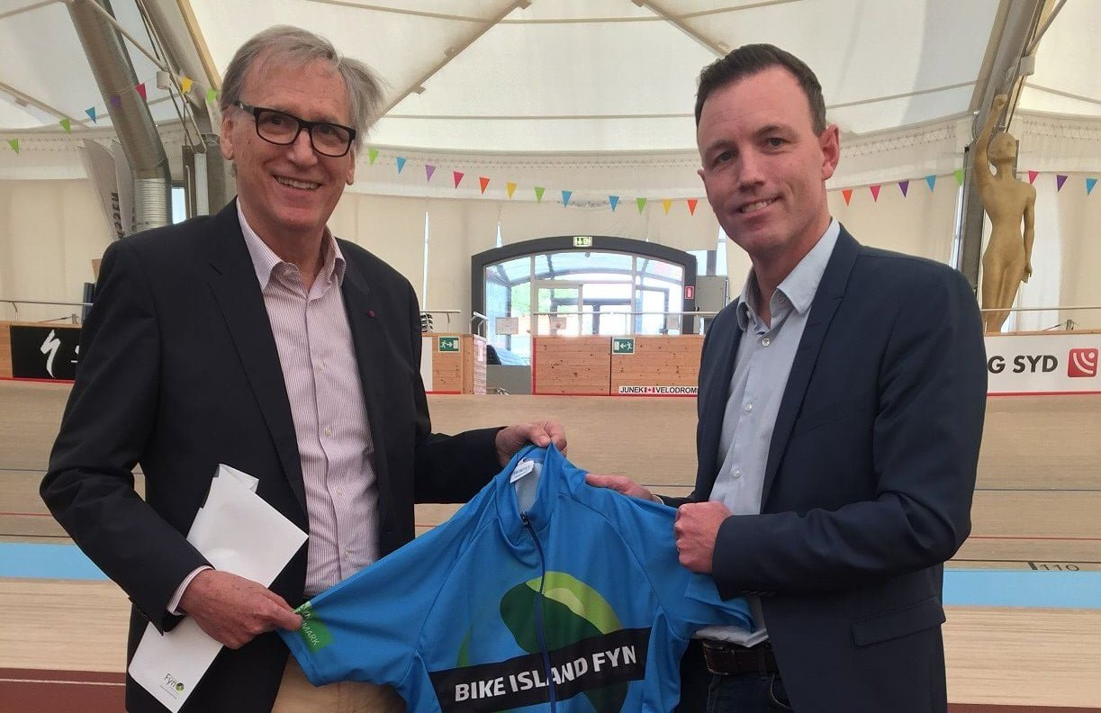 Walter Rottiers, præsident for World Press Cycling Championship (tv) i selskab med Thomas Kastrup, forretningschef i Destination Fyn. (Foto: Destination Fyn)
