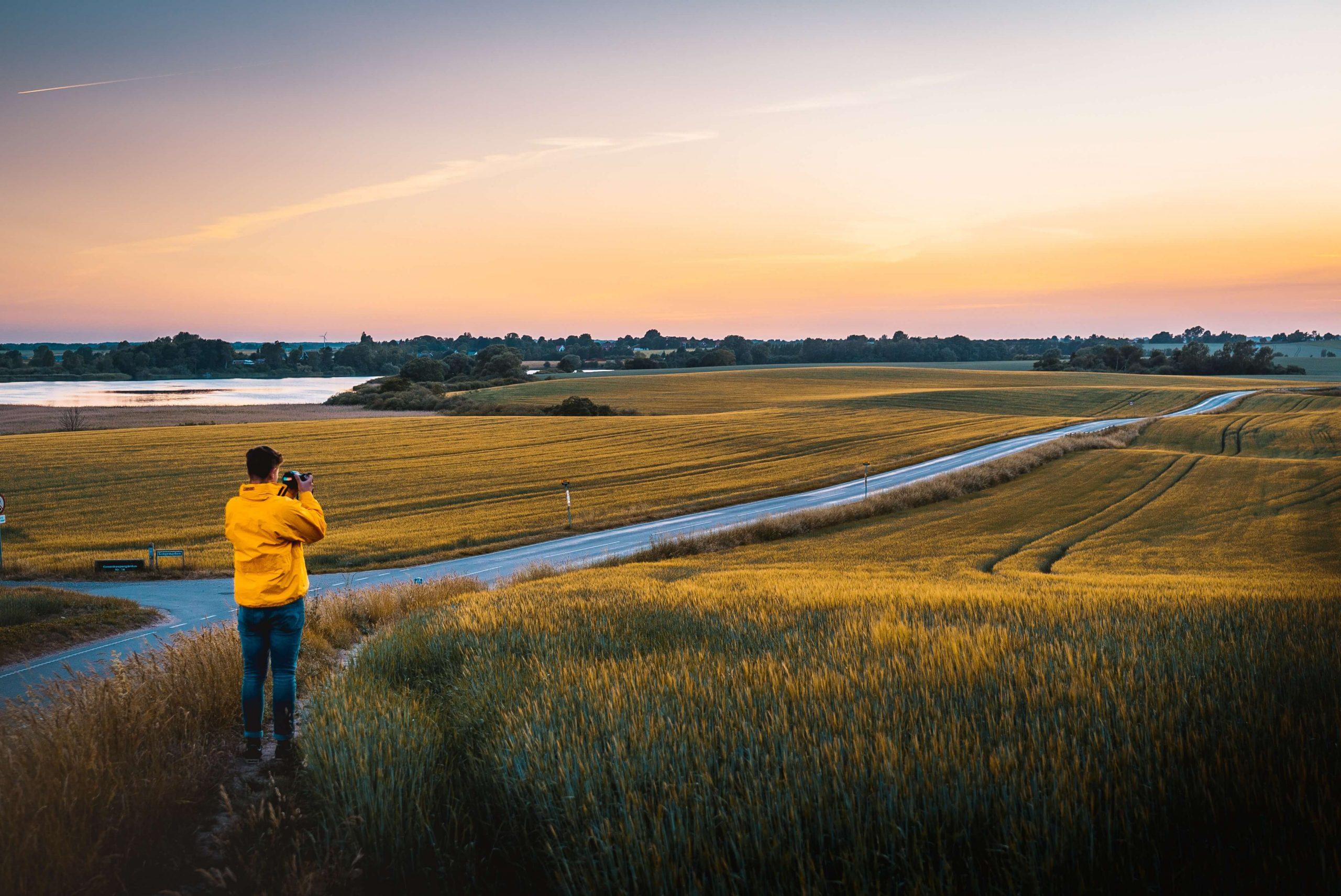 Det går stadig godt for dansk turisme, men der er tegn på, at væksten aftager. Og vi mister konkurrenceevne, viser statusrapport. (Foto: Andreas Dress/Unsplash)