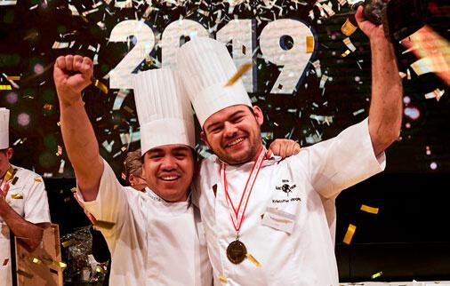 BeskårAaretsKok2019  Restaurant B-spis, Kristoffer Ringsing, Karina Grand Kannegaard, Årets Tjener, Årets Kok Favoritten løftede guldet ved Årets Kok 2019 gastronomi, featured Favoritten løftede guldet ved Årets Kok 2019