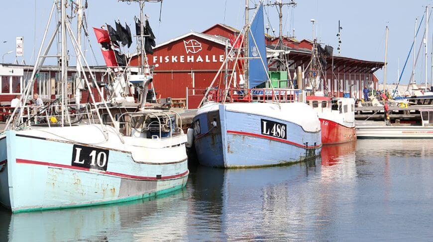 Kommunikations- og brandingbureauerne Mouret og Red Ink skal udvikle og formulere kernefortællinger for Thyborøn, Thorsminde og kyststrækningen som led i de to vestkystbyers nye vækstprojekt. (Foto: VisitVestjylland)