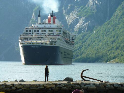 ship 392110 1280  Norge, Krydstogtturisme, Døgnforbrug Krydstogtsskibe: Pestilens eller guldgrube? tal-tendens, gik-du-glip-af, featured ship-392110_1280