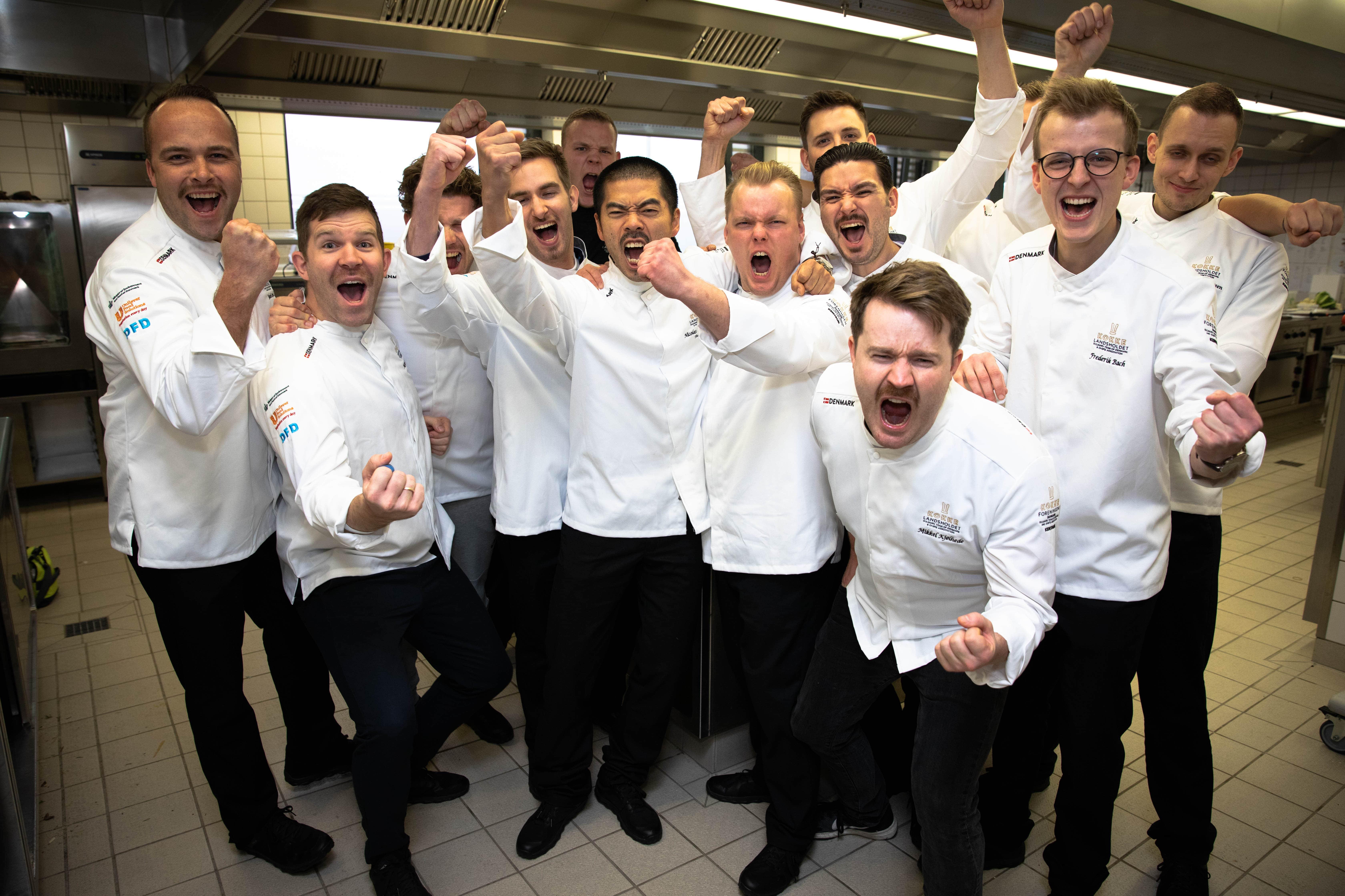 """KOKKELANDSHOLDET (senior) vinder VM Guld 2018 for deres """"varme køkken"""". Foto : Anders Wiuff"""